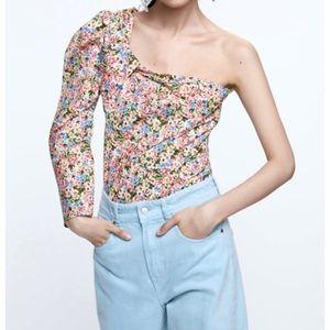 NWT Zara Floral Asymmetric Top- XS